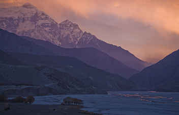 Kali Gandaki Valley from Kagbeni - by Henk