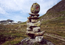 Jotunheimen: Cairn with red