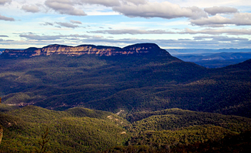 Katoomba to Mittagong Trail: Blue Mountains NP - by Sebastian
